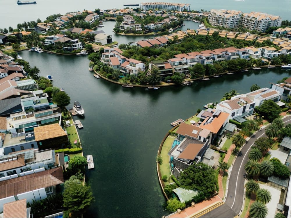 house island, green environment