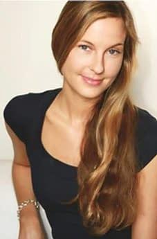 Helga Douglas,Svala
